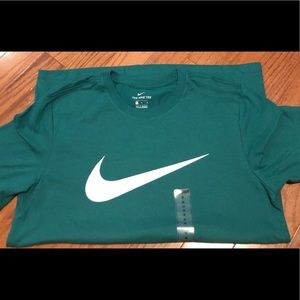 ✅Men's Nike Swoosh short sleeve T-shirt M